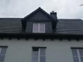 Neue Dacheindeckung mit engobierten Tonpfannen