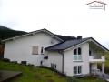 Neue Dacheindeckung mit glasierten Tonpfannen